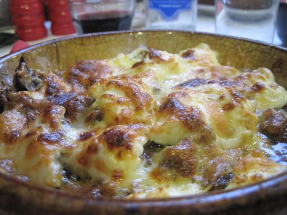 Okse med ost og frisk oregano